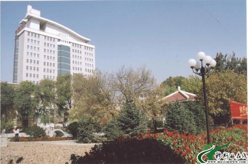 青海民族大学