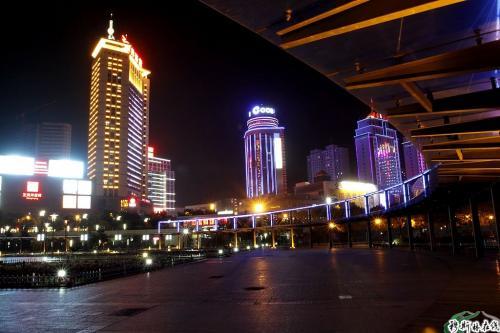 西宁中心广场夜景.-玩转夏都西宁图片