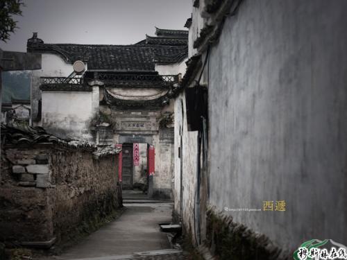 """西递村坐落于黄山南麓,距黄山风景区仅40公里,素有""""桃花源里人家""""之称"""