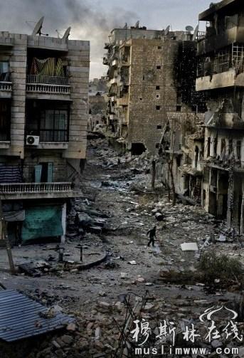 """美国摄影师Javier Manzano凭""""阿勒颇之困""""系列作品获得突发新闻类组照三等奖。(图片来源:WPP)"""