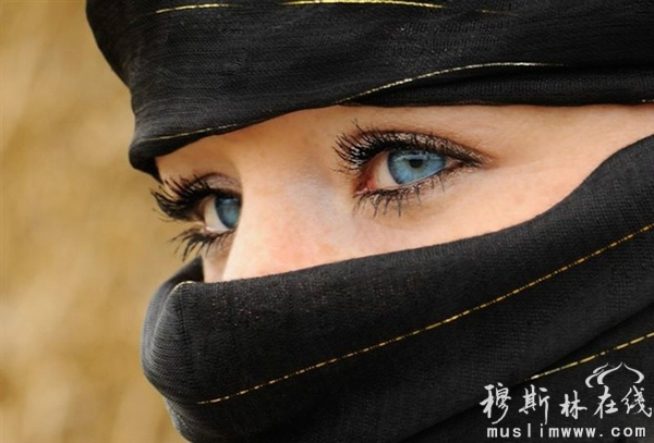 沙特阿拉伯美女面纱下遮不住的靓丽