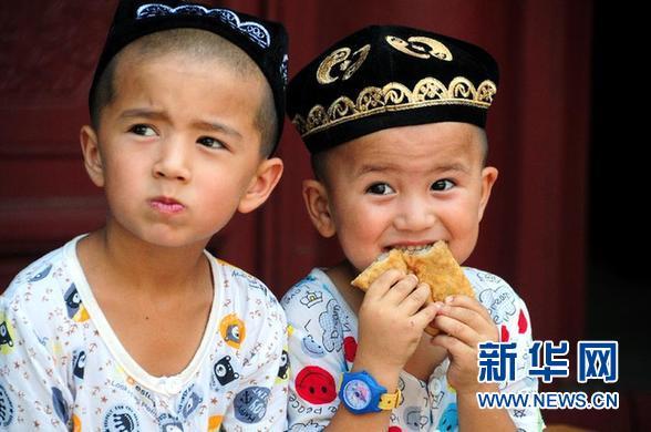 中国穆斯林在酷暑中享受斋戒的完满