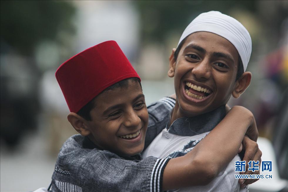 印度穆斯林迎来开斋节(高清组图)