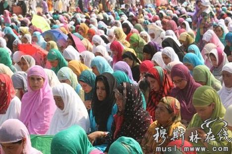 克什米尔地区穆斯林开斋节会礼图片