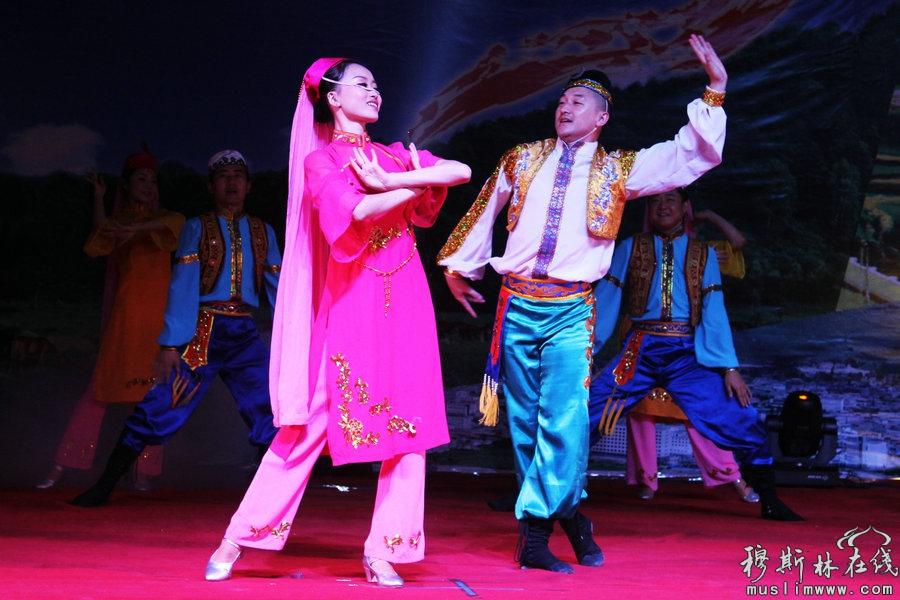 省民族歌舞团给力张家川60周年县庆(高清组图)