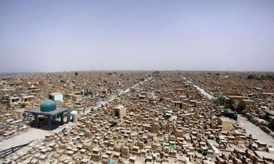 伊拉克境内现世界上最大墓地 埋葬500万人