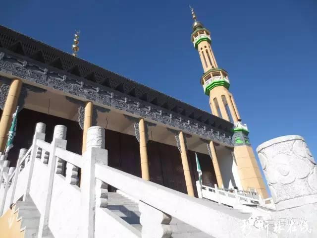 西宁市大通县桥头镇八一新区清真寺大殿完工及开学典礼图片