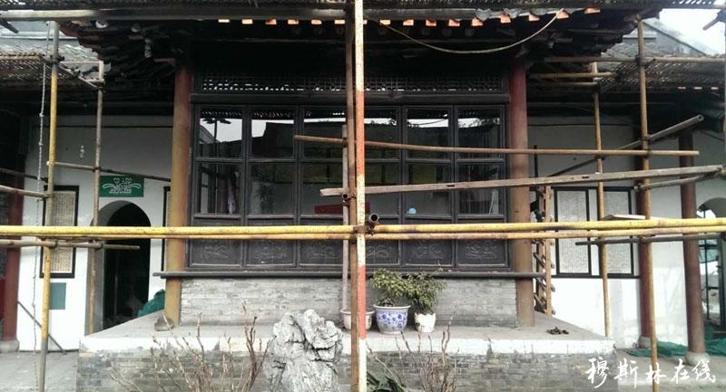 扬州仙鹤寺望月亭.