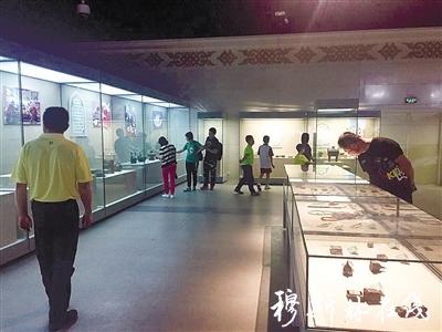 """""""回乡漫步――宁夏回族民俗文物展""""在海区博物馆开展"""